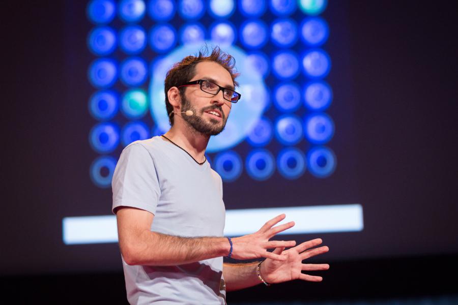 Jorge Soto durante o TED