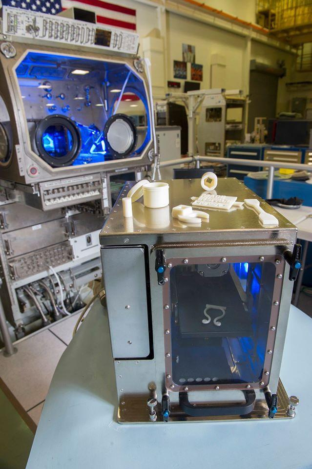 Impressora 3D no espaço (3)