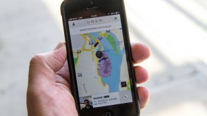 Haddad proíbe Uber e cria categoria de táxis pretos, que é quase um clone do app