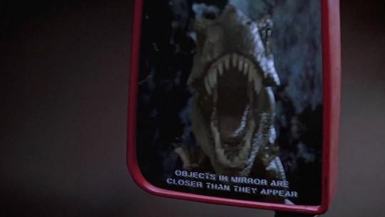 Espelho retrovisor em Jurassic Park
