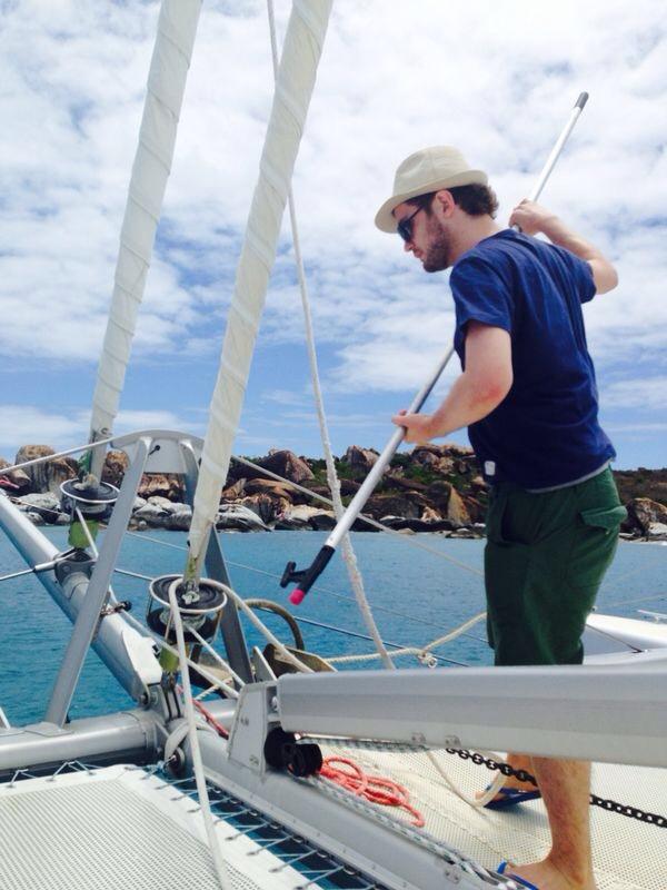 Tentando aprender a velejar. Cara, como eu sou ruim nisso
