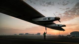 avião energia solar