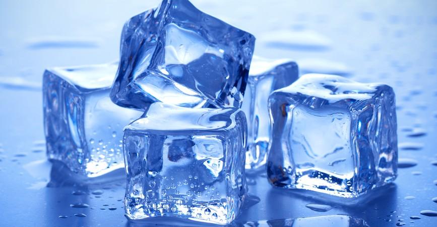 Por Que Alguns Cubos De Gelo Sao Cristalinos E Outros Turvos