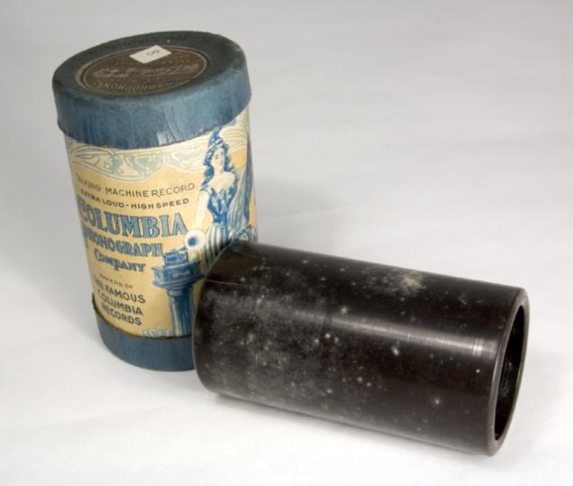 Um cilindro da Columbia Phonograph, circa 1905, similar aos que Apgar usou para fazer suas gravações. Futuremuseum.co.uk