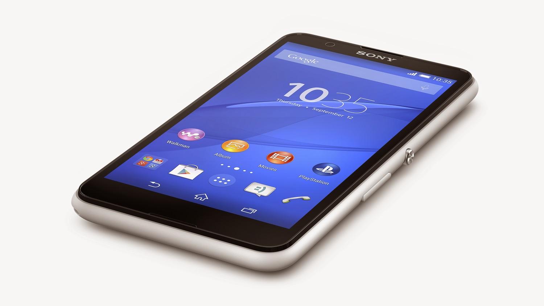 Sony Xperia E4 na mesa