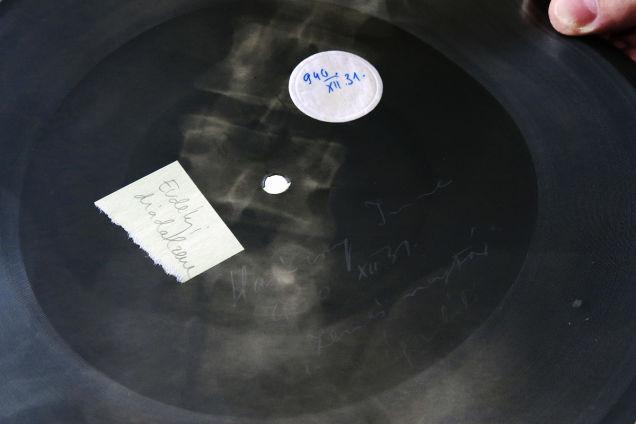 Esse disco de música foi criado no dia 31 de dezembro de 1940 (Foto: Attila Nagy/Gizmodo)