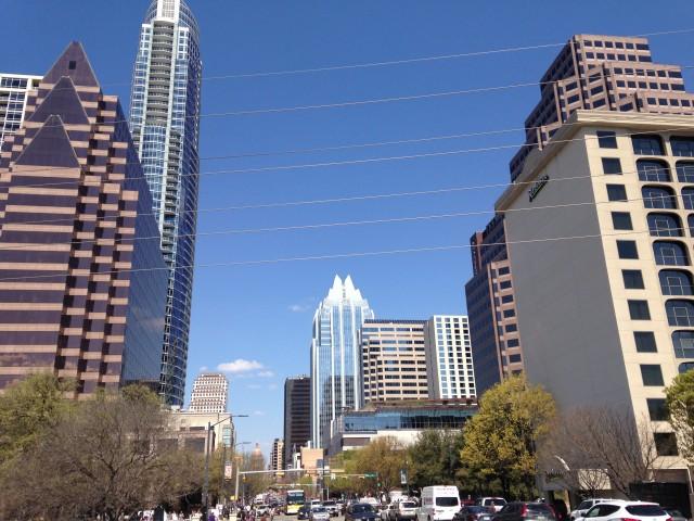 Avenida principal de Austin, capital do Texas e sede do SXSW (foto: Leandro Beguoci)