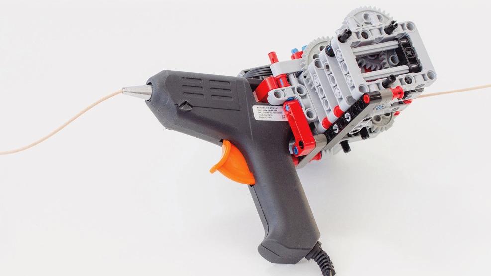 Esta impressora 3D portátil com Lego foi feita a partir de uma pistola de cola quente