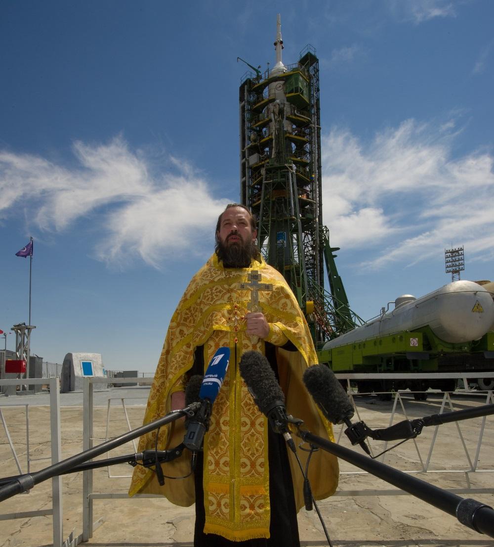 Padre e lancamento espacial