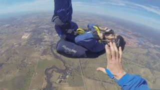 Paraquedista sofre convulsao