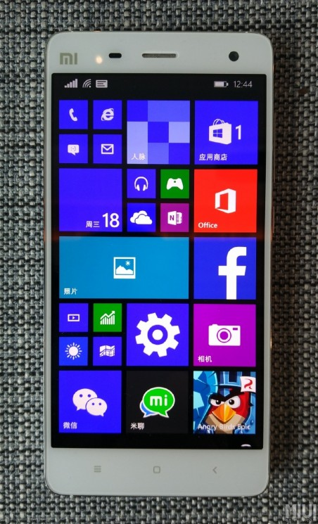 Xiaomi Mi 4 rodando Windows 10