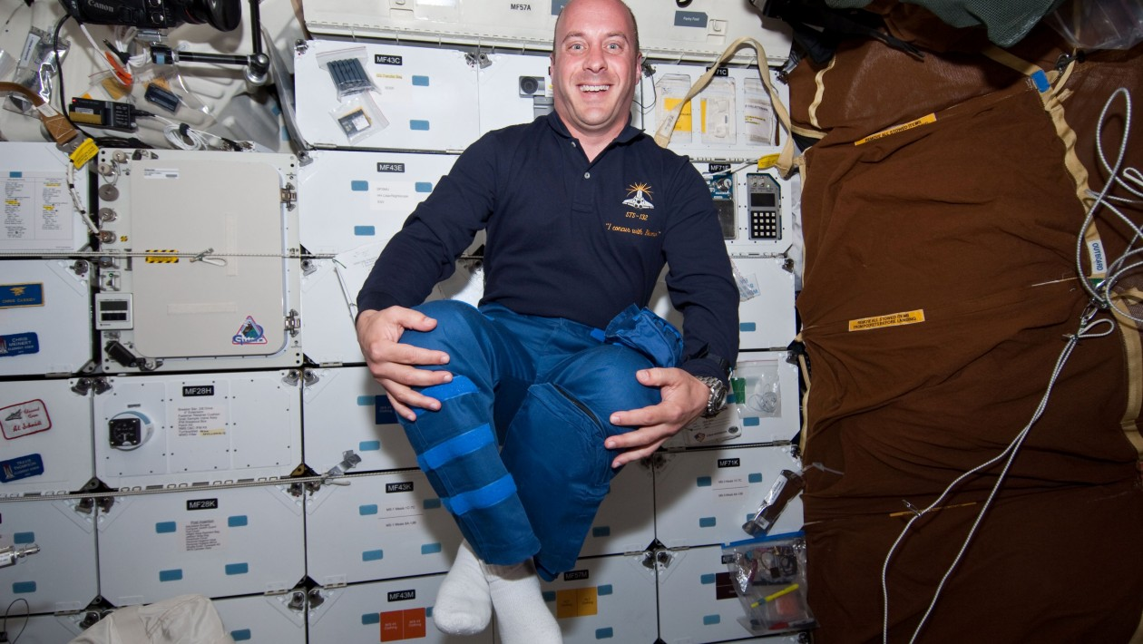 Como é voltar à Terra depois de morar no espaço?