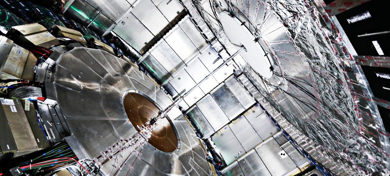 LHC de volta (1)