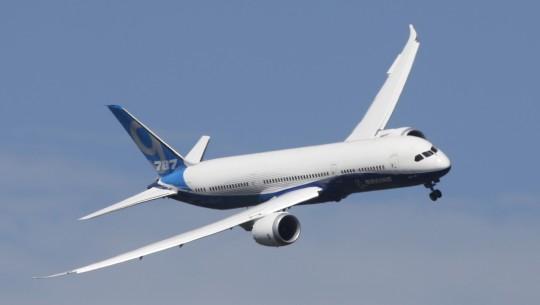 Boeing 787 Dreamliner em voo (1)