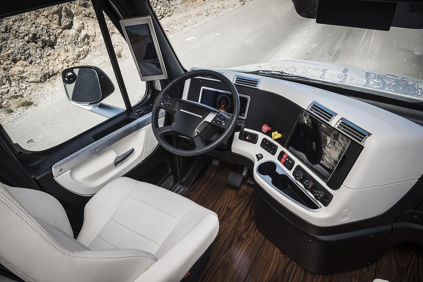 Freightliner Inspiration (3)
