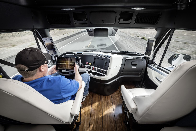 Freightliner Inspiration e motorista