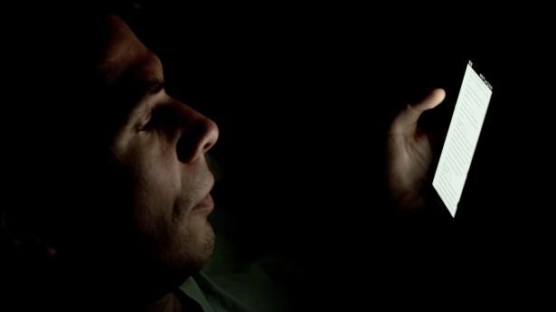 Smartphone no escuro