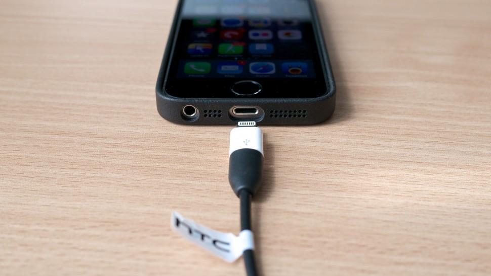 iPhone e adaptador