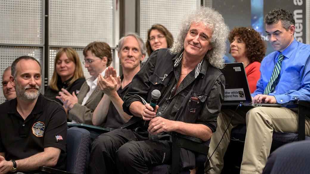 Brian May, guitarrista da banda Queen, é o novo colaborador científico da New Horizons