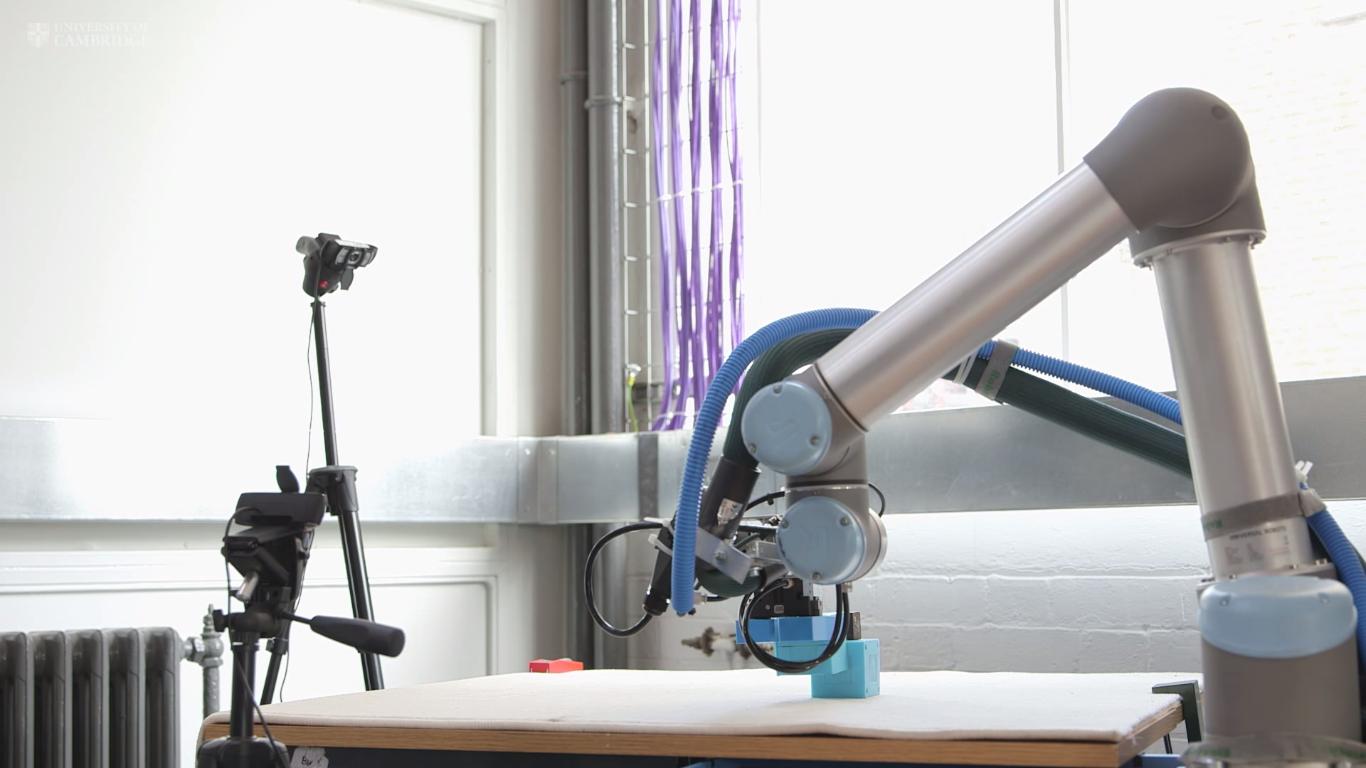 Este robô cria novos robôs, aprende com os erros e faz robôs ainda melhores