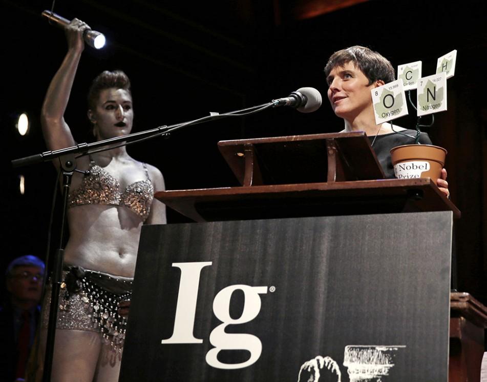 Os melhores momentos da absurda cerimônia do Prêmio Ig Nobel 2015
