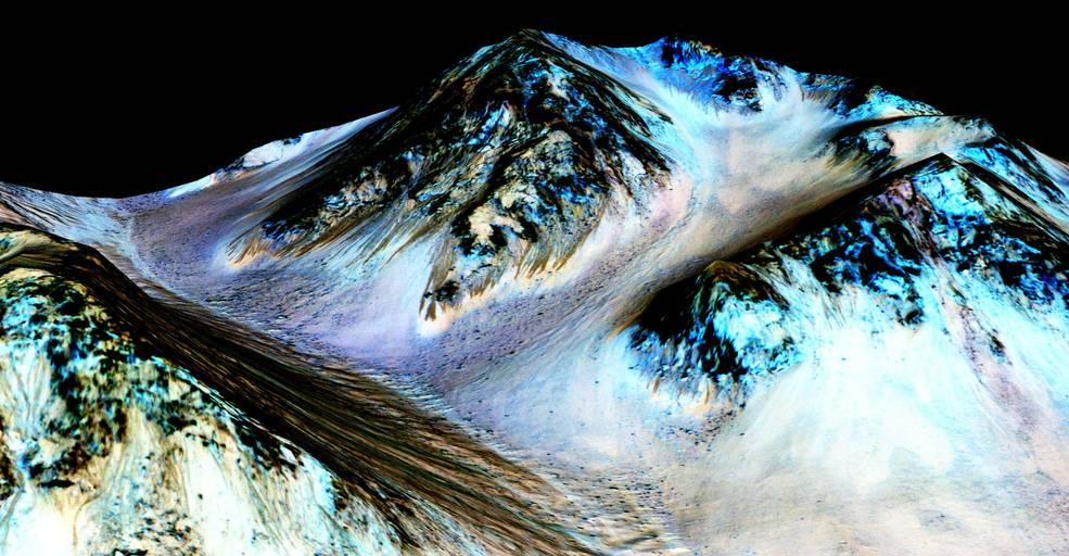 NASA descobre fortes evidências de água líquida em Marte