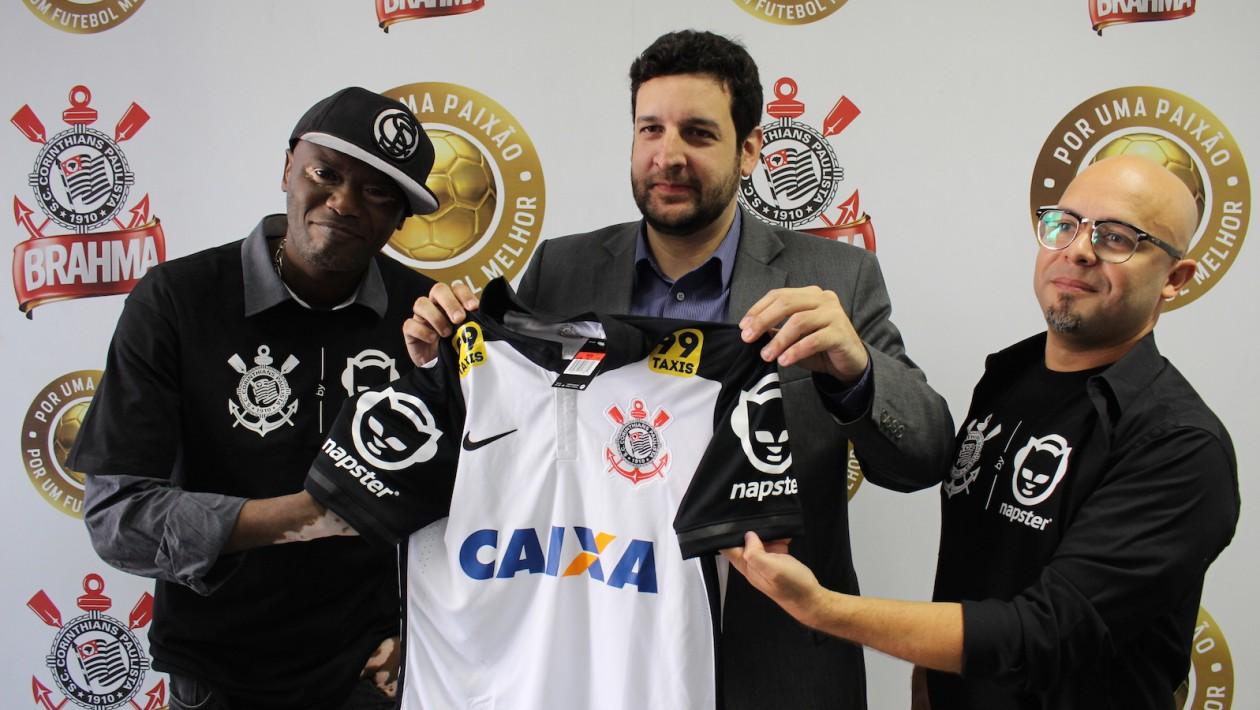 Corinthians lança parceria com Napster para oferecer streaming de música para torcedores