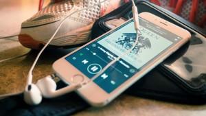 Spotify acusa Apple de prejudicar concorrentes de streaming no iOS