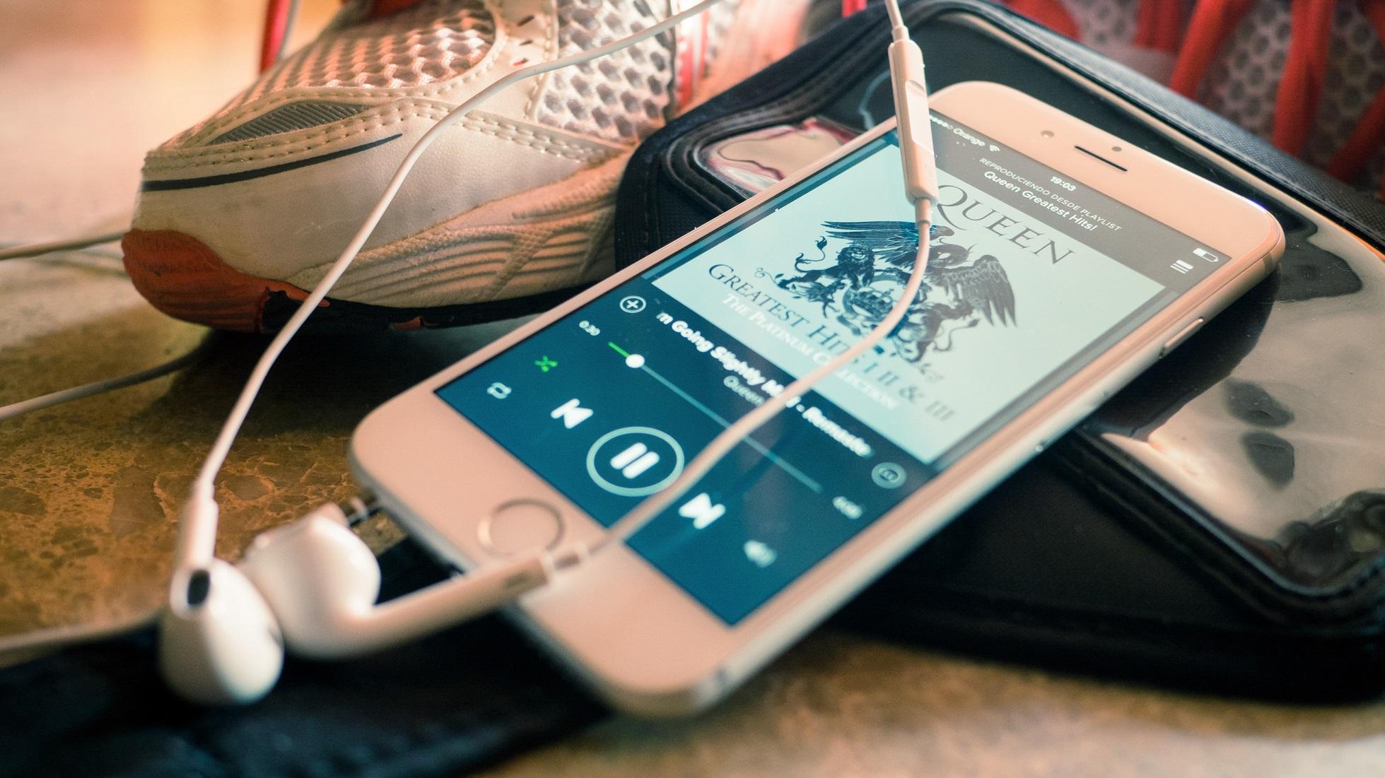 Spotify acusa Apple de prejudicar concorrentes de streaming no iOS -