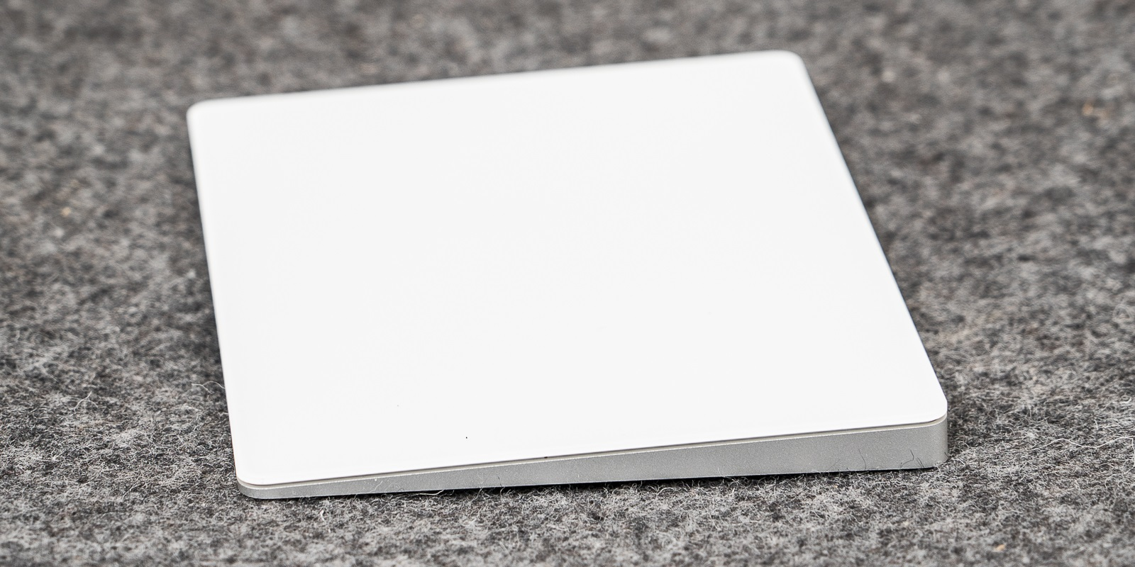 Apple Magic Trackpad (1)