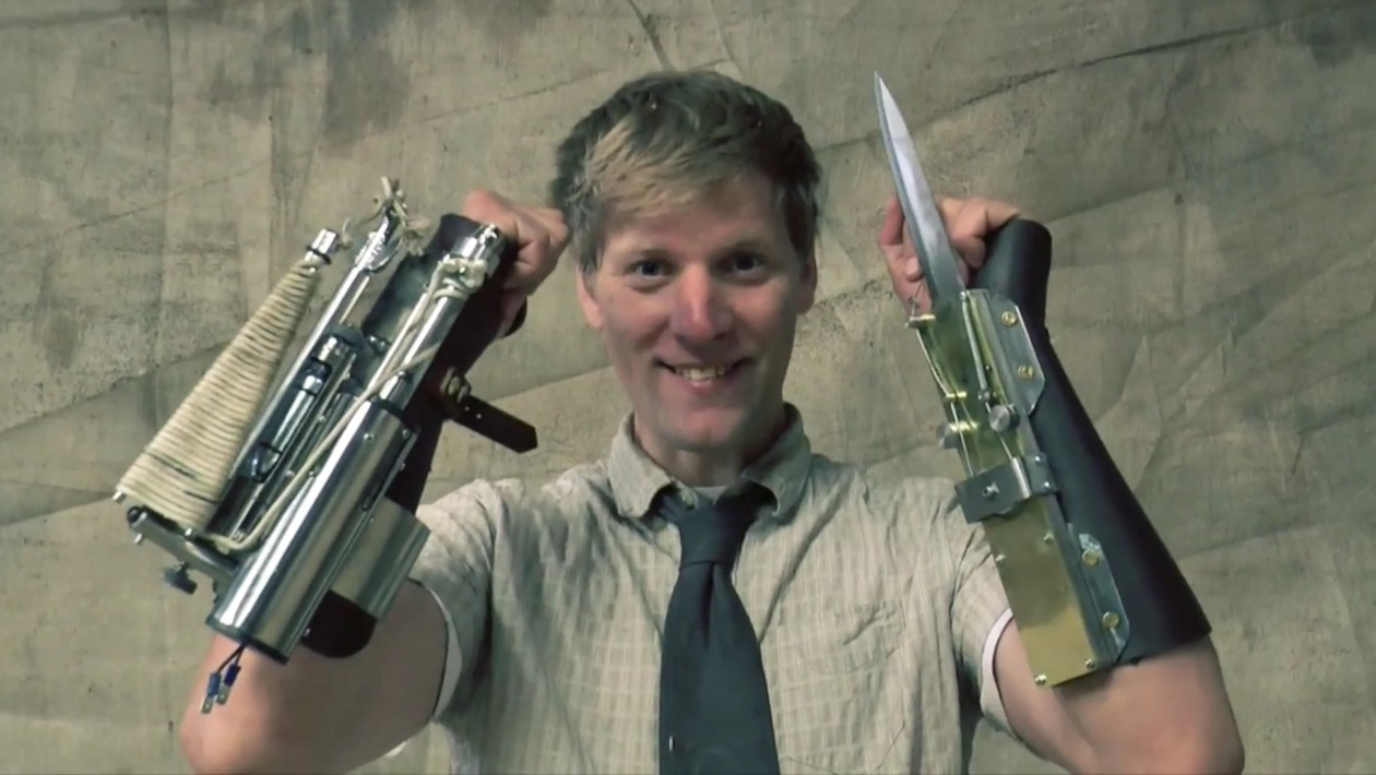 Gênio louco cria versão real do lançador de corda e lâmina oculta de Assassin's Creed