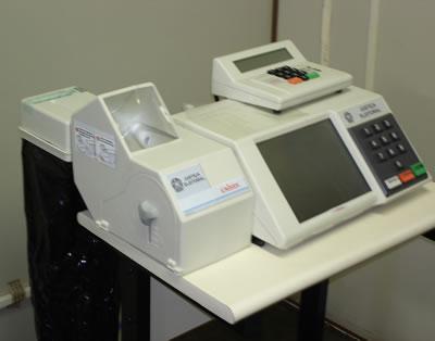 Urna com impressora (1)