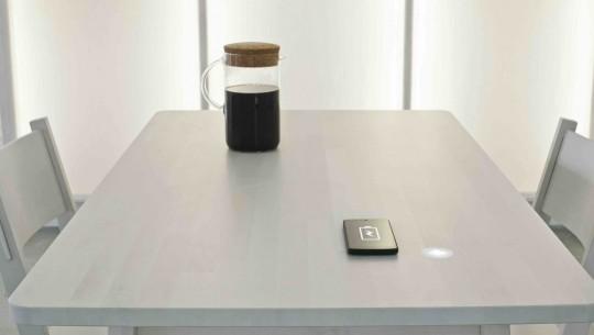 ikea e mesa que carrega bateria (1)