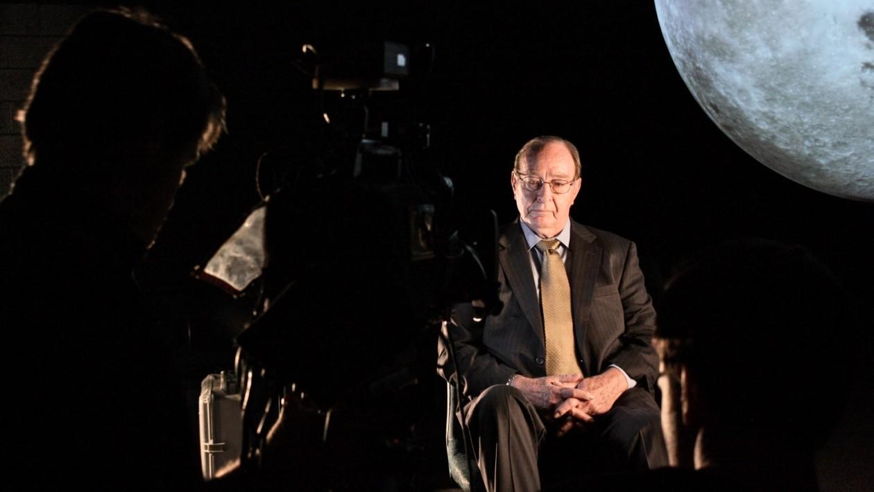 Em entrevista, Edgar Mitchell, o sexto homem a pisar na Lua, disse que alienígenas pacifistas desativaram mísseis durante a Guerra Fria. Não sei se é real, mas a tese de Mitchell é ótima. Foto: Edgar Mitchel (crédito: Andy Freeberg/NASA/Flickr)