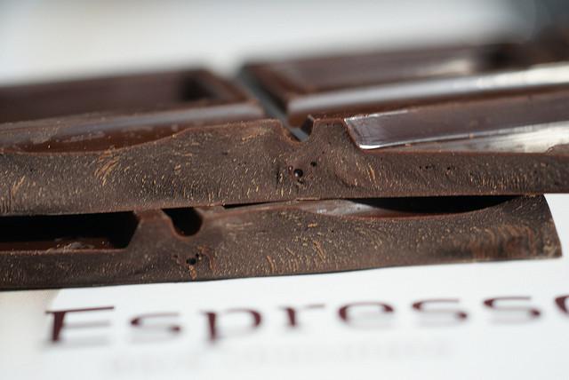 Uma suposta dieta trazia resultados mais rápidos ao incluir chocolate no cardápio. O estudo foi publicado por revistas científicas e divulgado mundialmente em sites, revistas e programas de TV. E ele não passou de uma grande mentira.