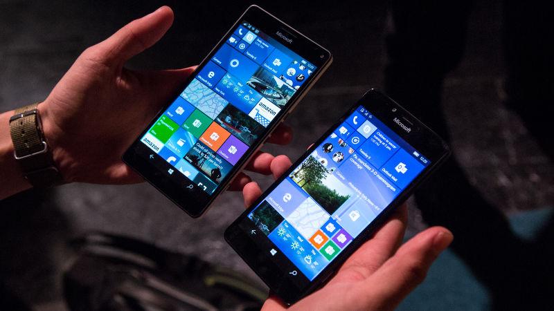 Lumia 950 e 950 XL: os primeiros smartphones Lumia com Windows 10 podem usar o Continuum, que permite conectá-los a uma tela maior e rodar uma interface bem semelhante à de desktop; contam com refrigeração líquida; e têm um sensor para que você possa fazer desbloqueio com seu rosto.