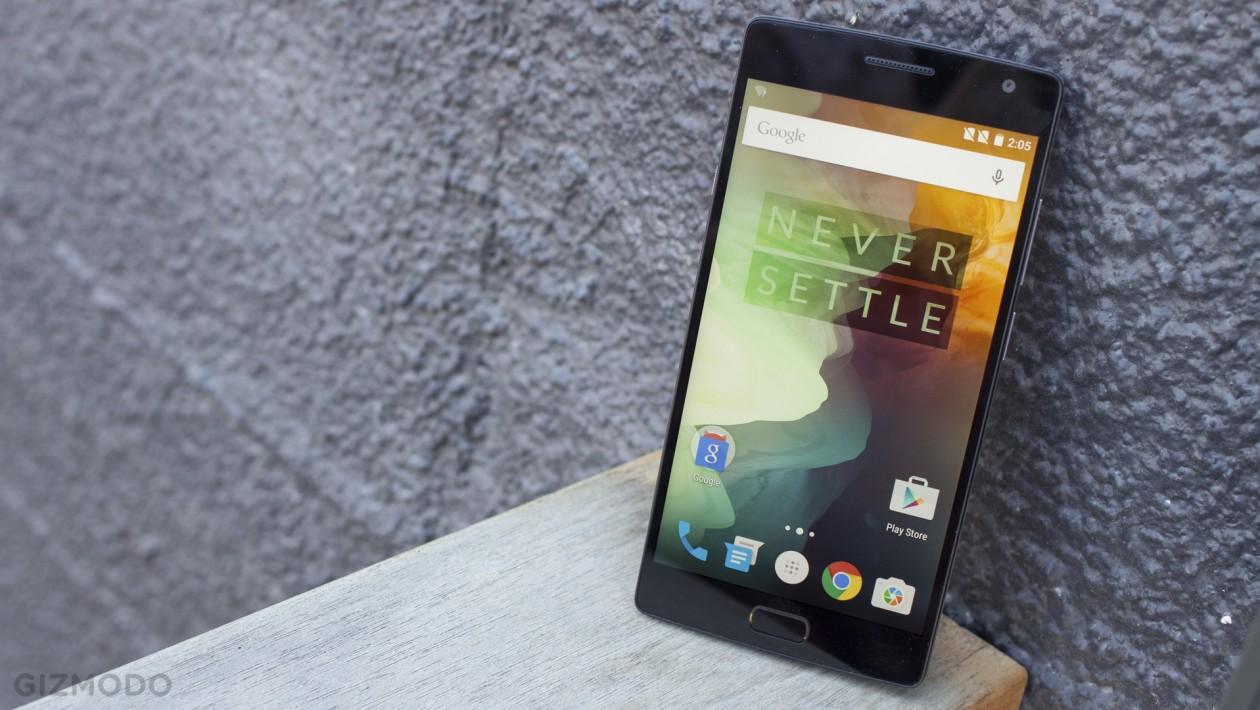OnePlus 2: há um ano, o OnePlus One nos impressionou com boas especificações e preço camarada: uma startup chinesa conseguiu entregar um aparelho Android de alta qualidade cobrando a partir de US$ 300. Eles voltaram com o OnePlus 2, que melhorou em diversos aspectos.
