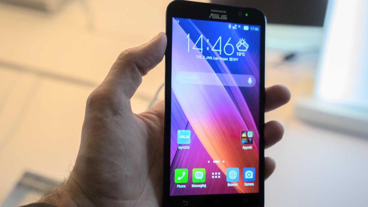 Asus Zenfone 2: a Asus começou a vender smartphones no Brasil em 2014, inicialmente focada em modelos de entrada. Com o Zenfone 2, foi diferente: ele é um pequeno monstro com 4GB de RAM e um preço bastante competitivo.