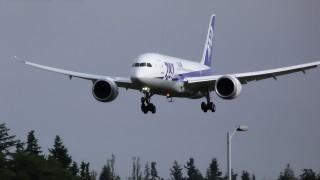aviao 787 pousando