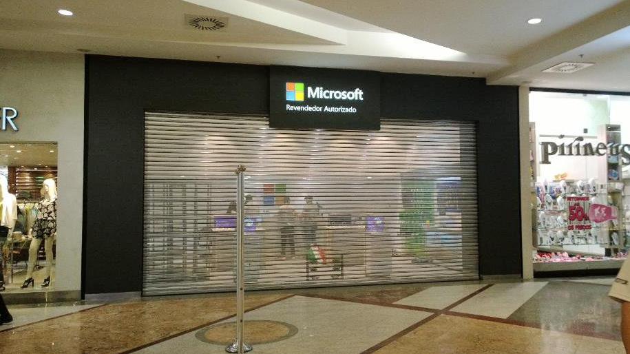 Microsoft vai fechar 27 lojas físicas e quiosques no Brasil