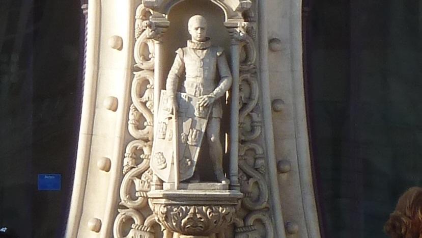 Uma tentativa frustrada de selfie resultou na destruição de uma estátua de 125 anos