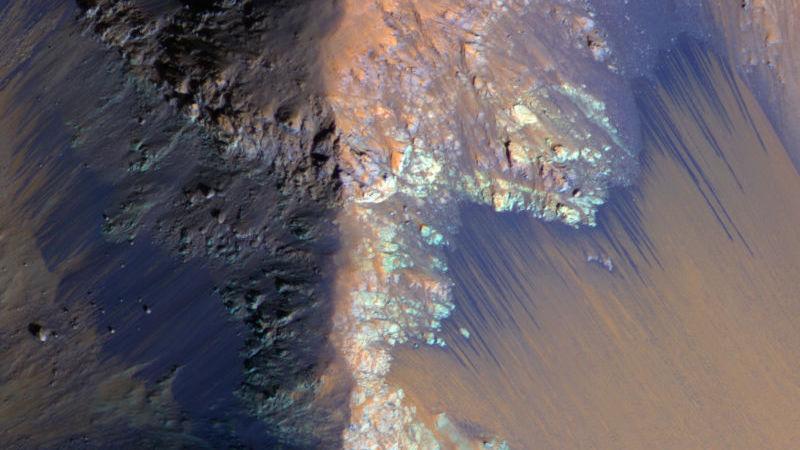 Cientistas solucionaram um dos grandes mistérios sobre a água líquida em Marte