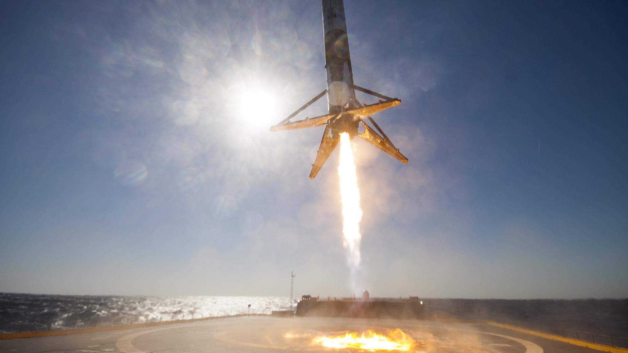 SpaceX consegue fazer a aterrissagem mais audaciosa de foguete em um navio