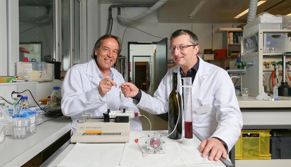 Este dispositivo produz vinho continuamente e mais rápido que métodos tradicionais
