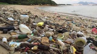 lixo praia hong kong (1)