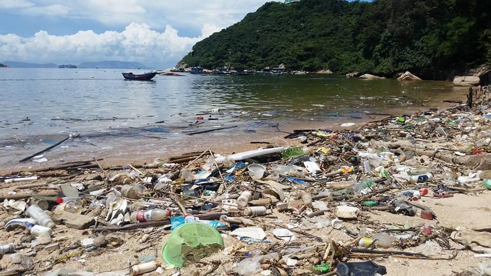 lixo praia hong kong (4)
