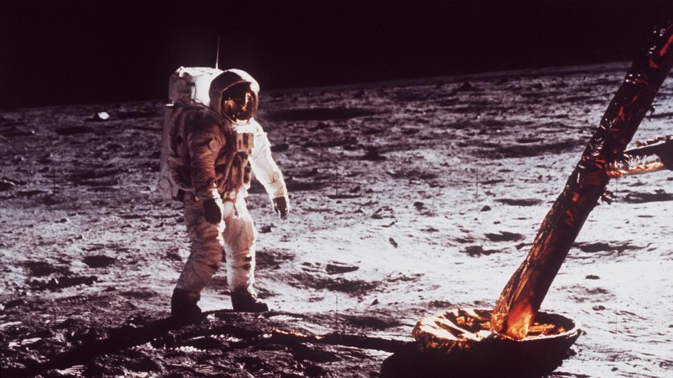 O código fonte da Apollo 11 está disponível online e é cheio de piadas
