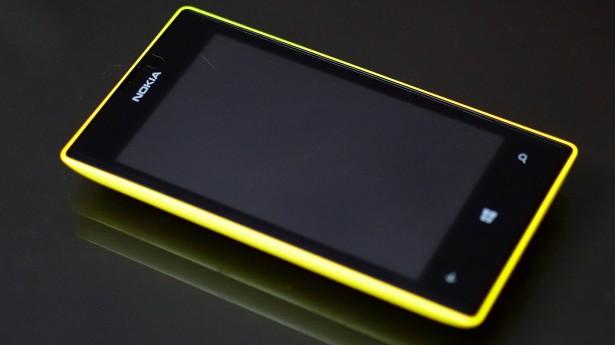 lumia 520 amarelo