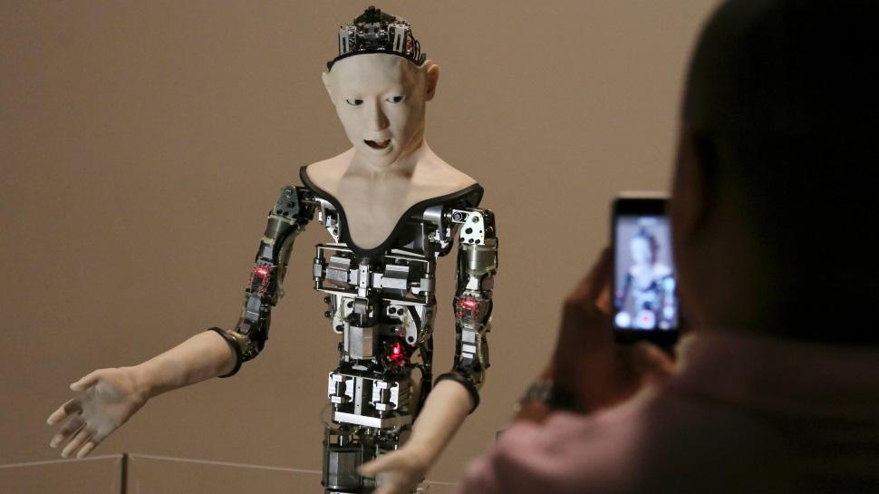 Este robô assustador usa apenas redes neurais para se mover
