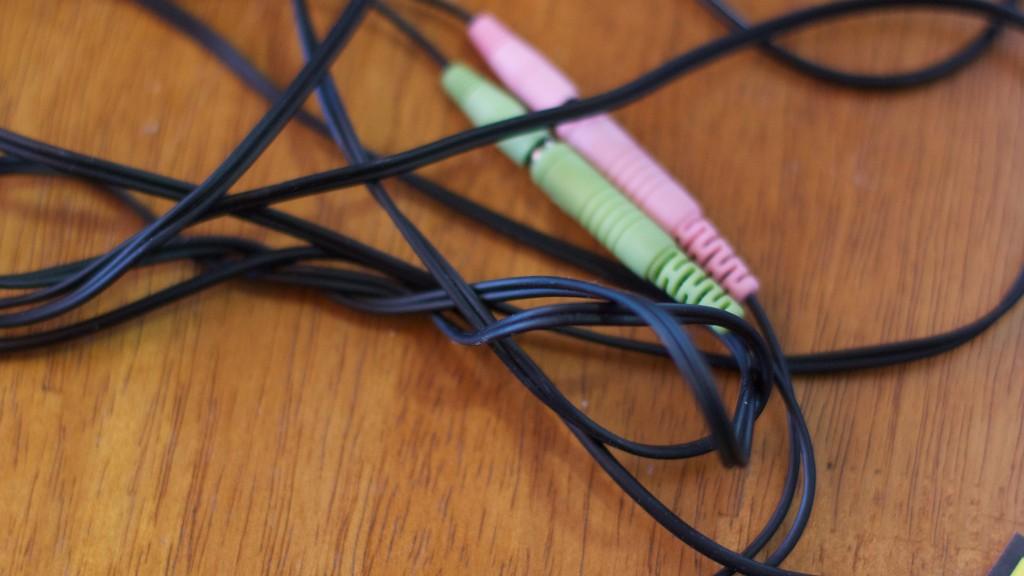 Como enrolar seus cabos para que eles não se embaracem